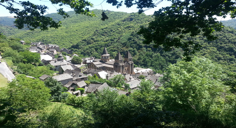 Conques France Painting Holidayss Lisa's Gryphon Art Travel Workshops Tour