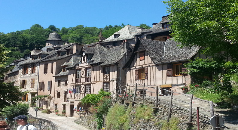 Conques France Painting Holidays Lisa's Gryphon Art Travel Workshops Tours